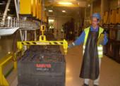 Čtyři nabíjárny pro TPCA: Nabíjecí stanice pro akumulátory šetří kolínské automobilce čas i peníze