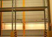 Vertikální výtahové zakladače zrychlují zaskladnění a vyskladnění