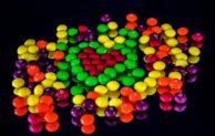 """Bonbony Skittles """"dozrávají"""" ve speciálním skladu firmy Raben"""