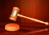 GLOSA: »Podivný soudní spor kvůli D8«