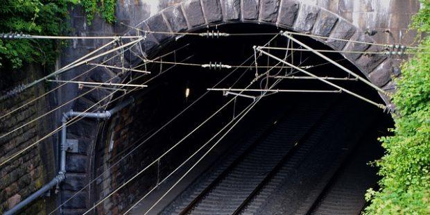 GLOSA: »Metro S a tunel T«