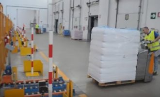VIDEO: Logistika v praxi – Automatické zakládání do spádových regálů