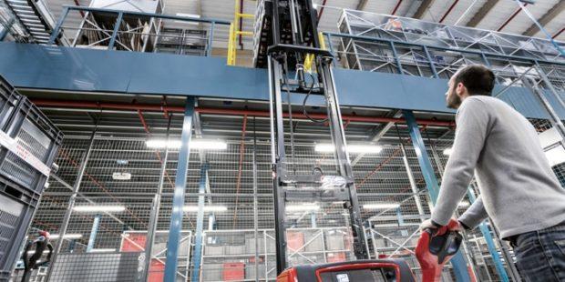 Linde MH představuje nový asistenční systém pro řidiče paletových vozíků