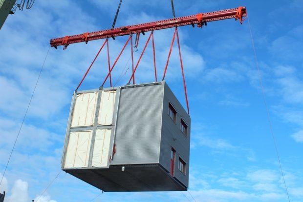 Modulové budovy Touax se přepravují do světa po silnici i lodí