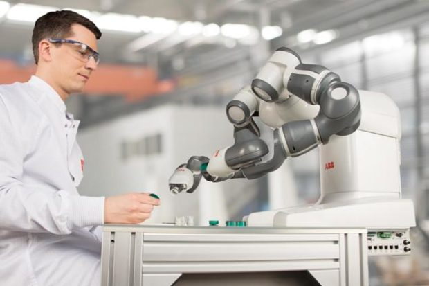 Masivnějšímu rozšíření robotů v českých firmách brání zažité mýty