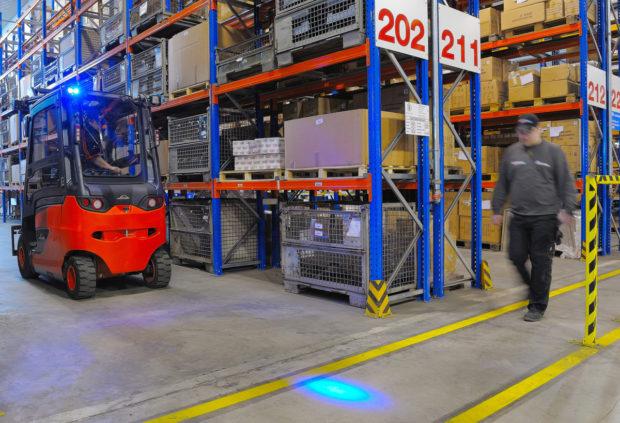 Pozor, vozík! Linde BlueSpot přispívá k bezpečnosti ve skladu