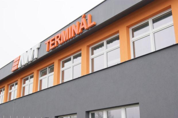 Novou provozní budovu na terminálu v Paskově otevřela firma AWT
