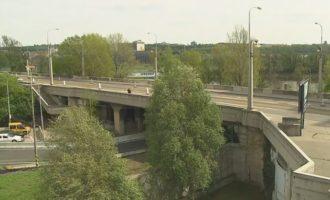 GLOSA: »Libeňský most, už je ho dost«