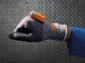 DB Schenker využívá inteligentní rukavice na skenování čárových kódů