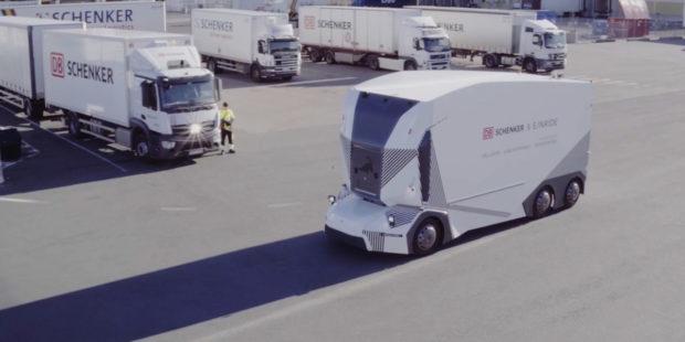 DB Schenker a Einride představují autonomní elektrický nákladní vůz v ostrém provozu