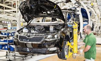 Automobilky loni v Česku vyrobily přes 1,45 milionu vozidel, meziročně jde o mírný pokles