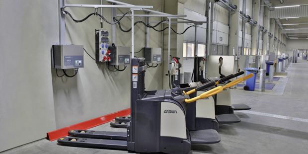 DACHSER přechází v manipulační technice na lithium-iontové baterie