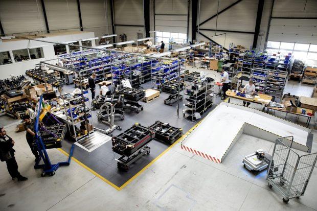 Mobilní roboty MiR pomohou firmě Faurecia optimalizovat interní logistiku