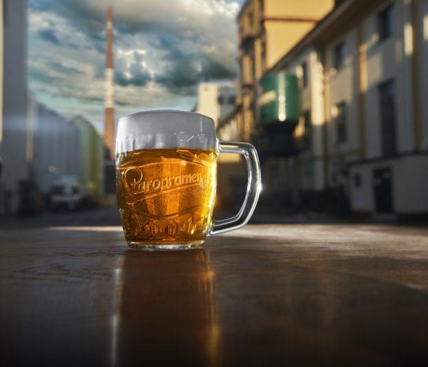Staropramen zahájil distribuci nepasterizovaného sudového piva