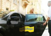 Sdílená ekonomika v praxi. Alza a Liftago testují v Praze společný rozvoz zásilek