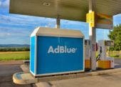 Přibývá čerpacích stanic, kde je možné tankovat AdBlue ze stojanu