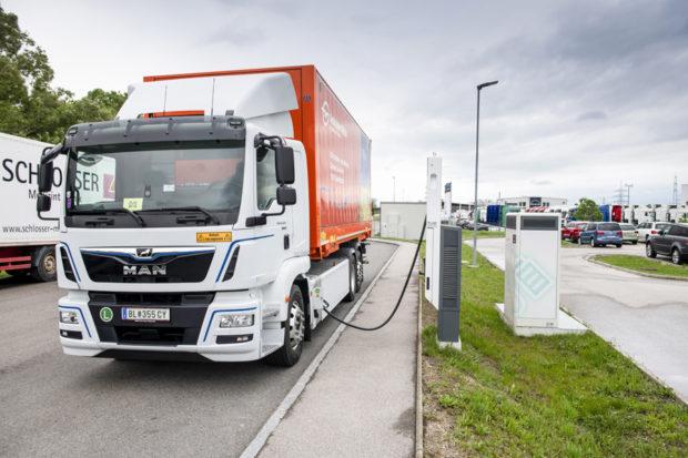 Gebrüder Weiss testuje možnosti nákladního vozu bez emisí