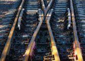 GLOSA: »Po železnici, silnici nebo na saních…«