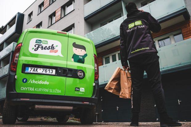 Zájem Čechů o dovážku potravin rapidně vzrostl, DoDo Fresh vozí o polovinu objednávek více
