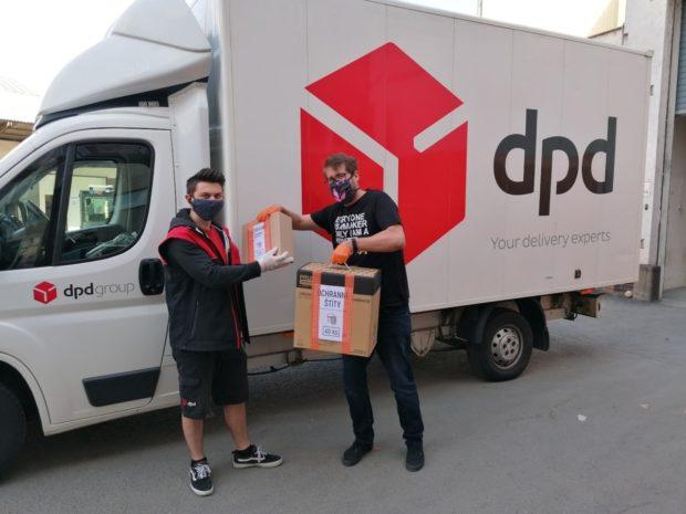 Direct Parcel Distribution pomáhá v boji proti šíření COVID-19 společně s firmou Prusa Research