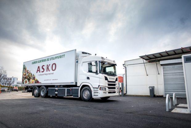 Scania dodá 75 elektrických nákladních vozidel společnosti Asko