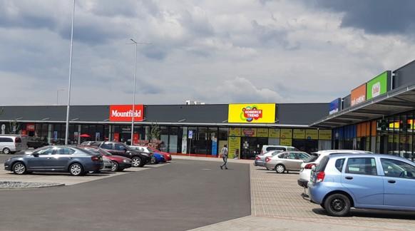 Společnost Cushman & Wakefield převzala do správy nově otevřený retail park ve Starém Městě u Uherského Hradiště