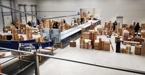 GLS se připravuje na Vánoce, nové depo v Plzni odbaví dvojnásobně více balíků