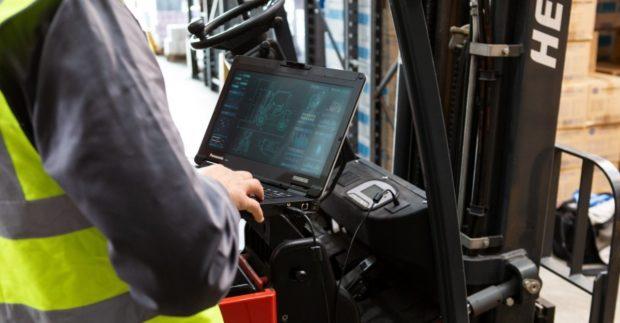 Mobilní toughbooky Panasonic zaručí ve skladech vyšší efektivitu i bezpečnost