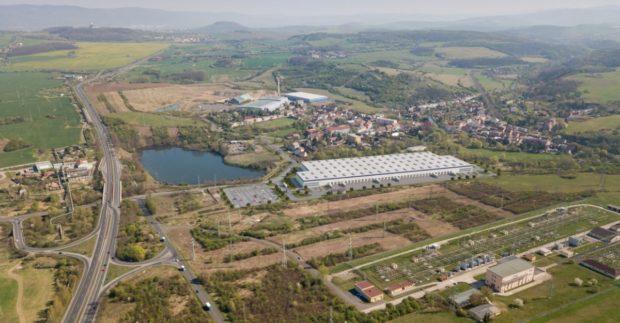 Společnosti Accolade a Panattoni zahájily revitalizaci bývalých skláren v Hostomicích u Teplic