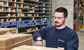 DB Schenker implementuje smart picking brýle Picavi ve skladové logistice