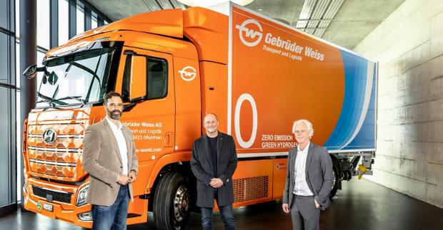 Gebrüder Weiss převzal svůj první truck poháněný vodíkem