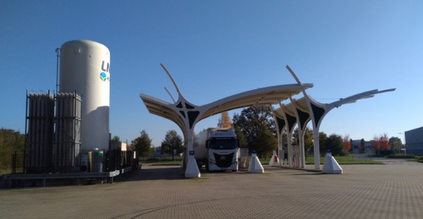 DB Schenker testuje LNG v dálkových přepravách. Do Nizozemska dojel kamion na jednu nádrž
